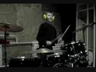 Максим за барабанами в Школе Ударного Мастерства