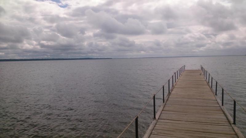 Озеро Нарочь, побережье у санатория Нарочанка, 25 июня 2018 года