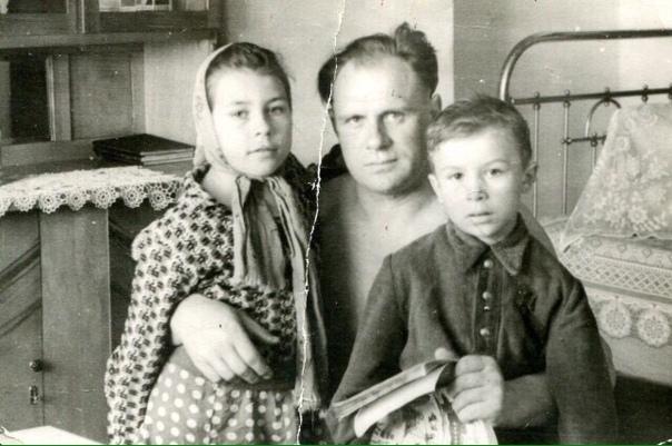 Неудобный герой - на его плечах стояли Егоров и Кантария