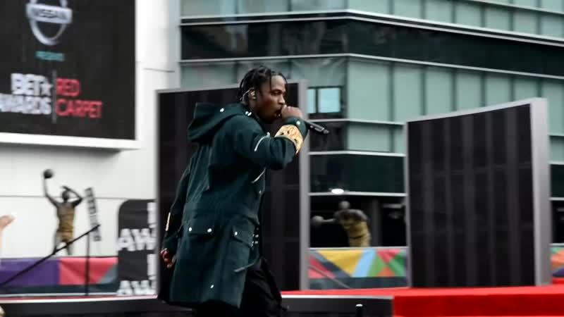 Travis Scott 2 Chainz LIVE at BET Awards Pre Show