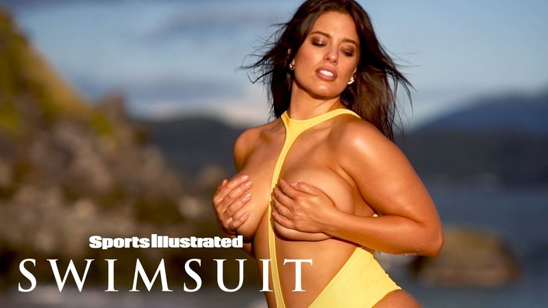 Ashley Graham's Jaw-Dropping Spin On The Typical Swimsuit   Candids   Sports Illustrated Swimsuit