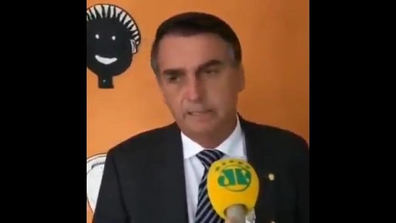 Além do Mourão o vice de Bolsonaro que é contra o 13 salário e é contra o adicional de férias o próprio Bolsonaro também já