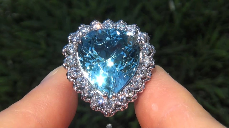 Top Gem Flawless 16.54 Carat Brilliant Blue Brazilian Aquamarine Diamond Cocktail Solid Gold Ring