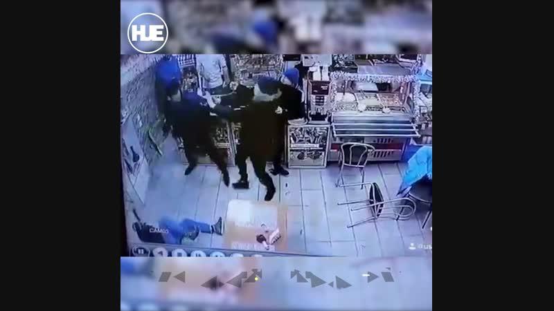 В Питере участник чеченской кампании из разведроты Моздок подрался из за сумки