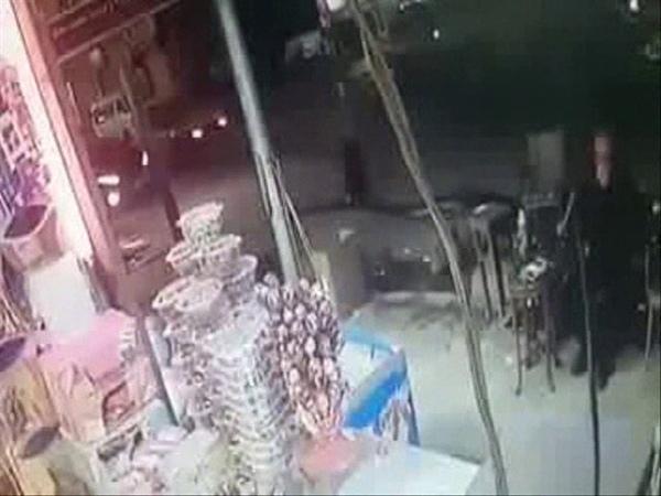 لحظة ذبح المواطن القبطي بالإسكندرية أمام 16