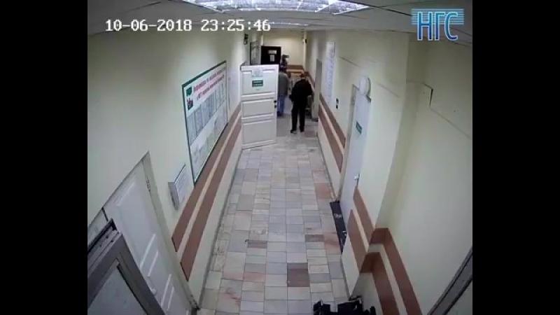 Следователи в Новосибирске проверяют информацию о причинении врачу телесных повр
