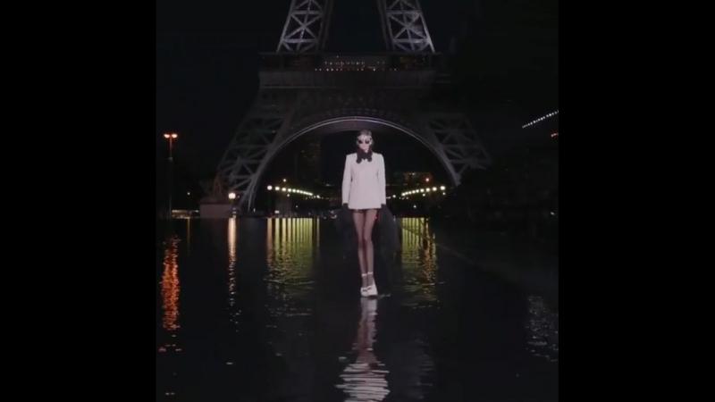 Кайя Гербер (Kaia Gerber, IMG models) на показе Yves Saint Laurent.