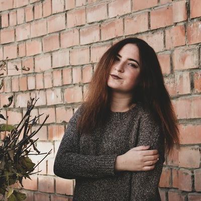 Елена Селяева