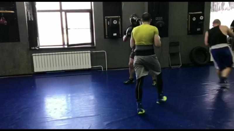 Тренировки по Боксу в ЦЕ Русич