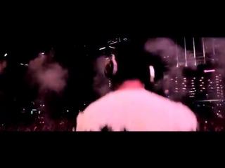 Tiësto _u0026 Dimitri Vegas _u0026 Like Mike vs Taylor Swift - Whisper (Both Of Us)