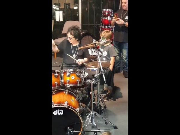 Peter Criss - Teaching Little Kid How To Play Drums at Fresno DW Drum Clinic