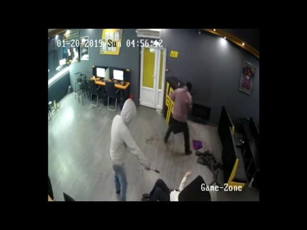 Кровавое нападение, побоище, ограбление в букмекерской конторе Алма-Ата, Казахстан.