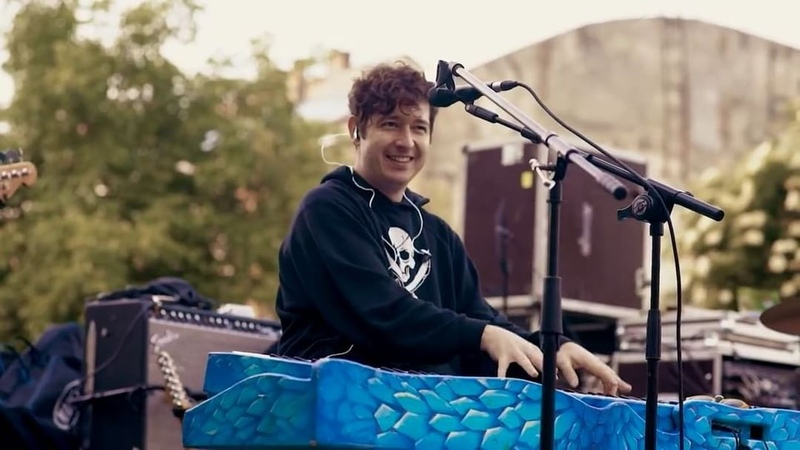"Dmitry Shurov on Instagram ""ПРЕМЄРА Pianoбой - Підручник Нова пісня гурту Pianoбой ""Підручник"" - це наш подарунок фанам, pianofamily, із вд..."