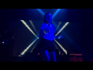 Ari Mason performs Dressed for Space live at The Echoplex