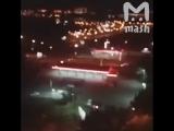 Это не кортеж премьер-министра. Это - обычный вечер в Иркутске. Пацан угнал у приятеля машину и с ветерком прокатился через весь