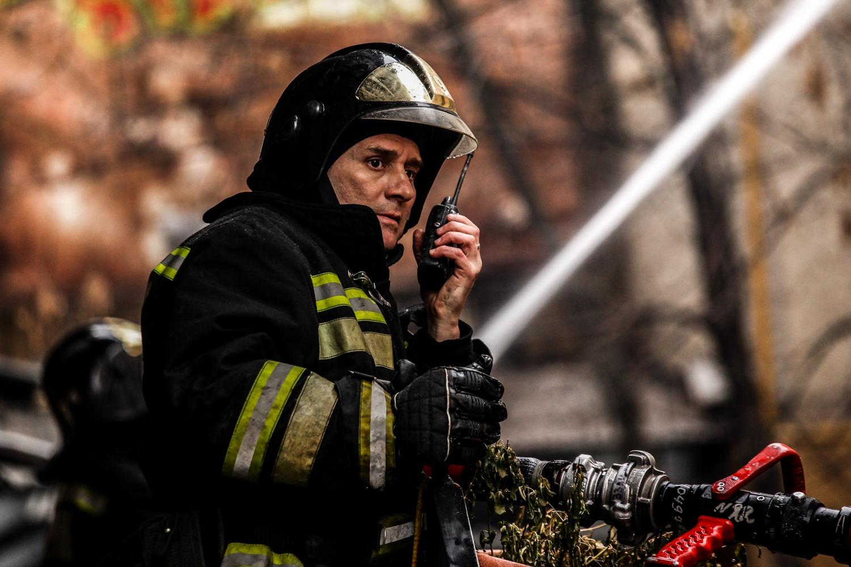 В оккупированном Луганске ночью загорелась здание больницы