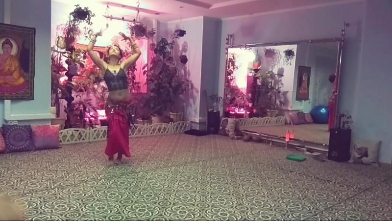 ВОСТОЧНЫЙ танец женская пластика и гибкость