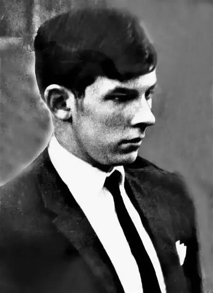 Самый знаменитый отравитель Англии Фредерик Грэхем Янг считается самым знаменитым отравителем Великобритании. Ему было всего 14 лет, когда он отравил мачеху. Даже находясь в психиатрической