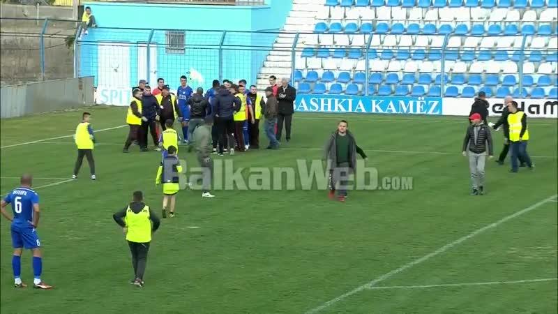 В Албании арбитра избили прямо во время игры