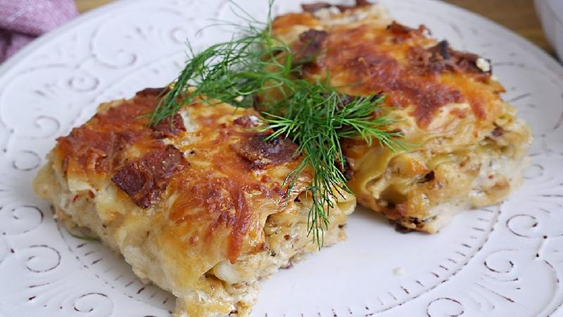 Куриные Рулетики с беконом и сыром в соусе Альфредо