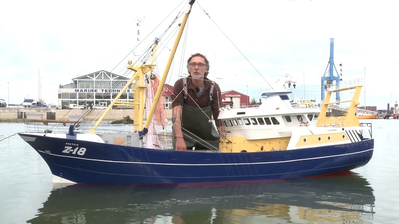 Large scale rc trawler
