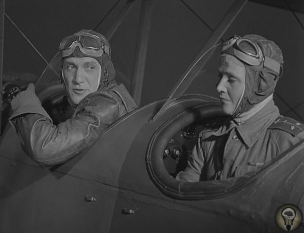 «Небесный тихоход» Учебный самолет, ставший самым массовым советским ночным бомбардировщиком. До начала Великой Отечественной войны мало кому в голову могла прийти мысль, о том, что учебный У-2