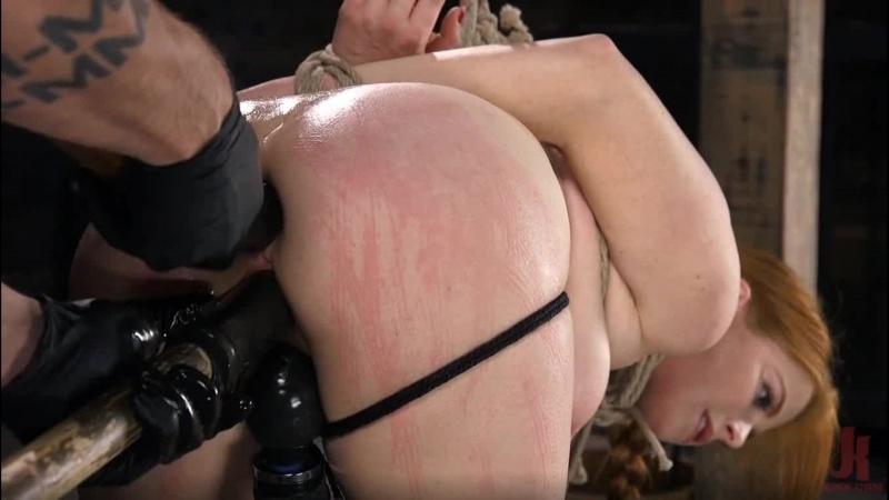 Хозяин издевается над секс рабыней