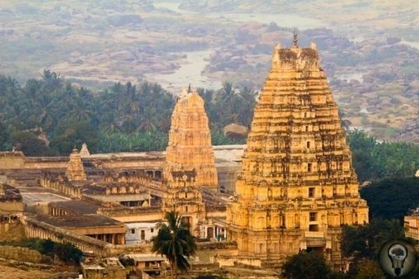 Деревня Хампи центр древнеиндийской цивилизации, которая была богаче Древнего Рима Ближе к южной части Индии недалеко от Гоа есть город, а точнее деревня Хампи. Она долгие годы была одним из