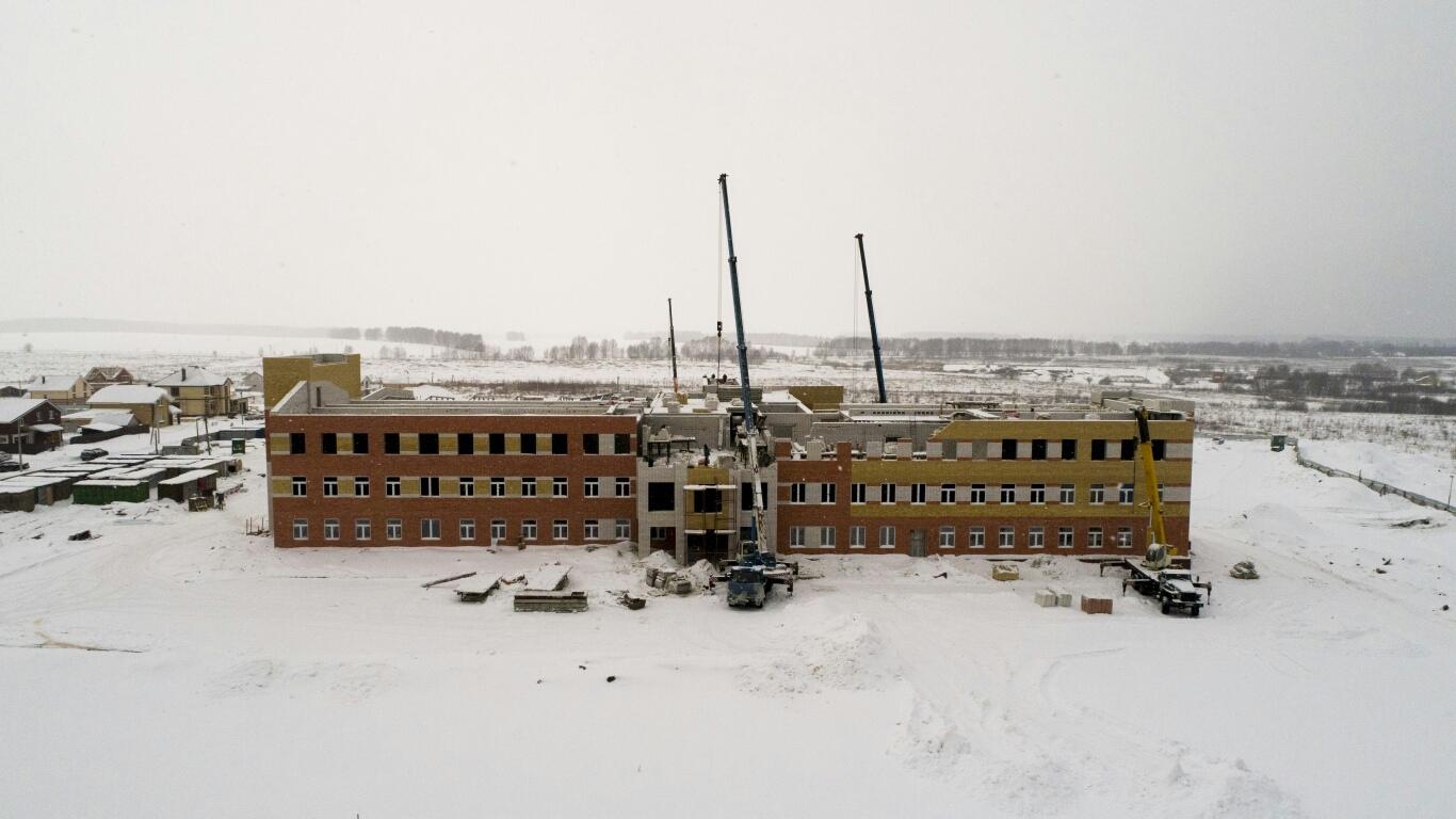 Будущая школа на бульваре победы ( оно же поле чудес) с высоты птичьего полёта