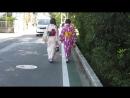 Местные гейши и их мега кавайная походка :D