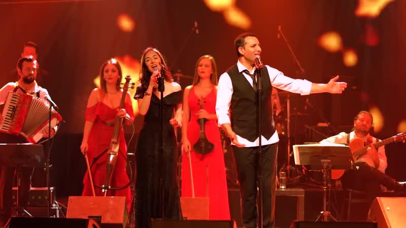 Rafet El Roman feat. Ayşe Nur - Bahçede Yeşil Çınar