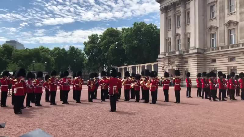 To mark the end of TRHs week in Wales and 50 years since HRHs Investiture, the Welsh Guards today played a selection of Welsh mu