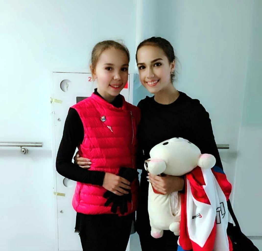 Алина Загитова   - Страница 33 P1S4HmryVgo