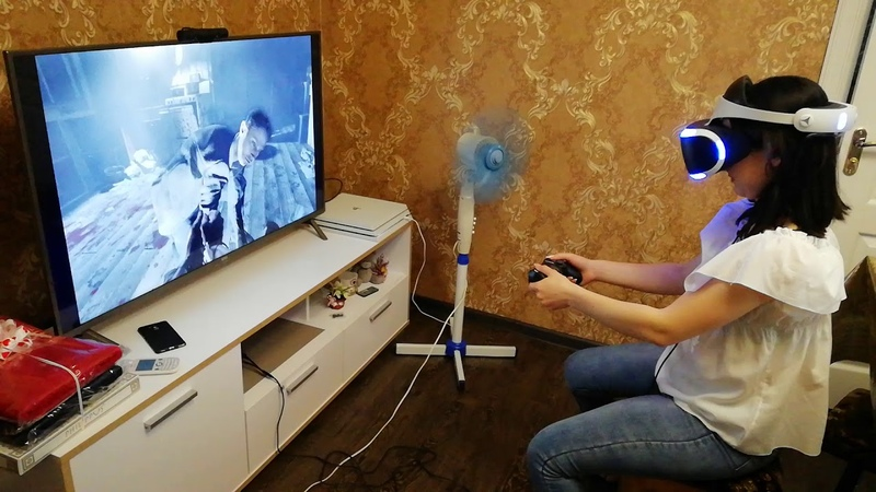 Girl and PS VR (very scary)