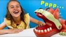 Челлендж со злой собачкой от World Toys TV Арина нажимает на зубки