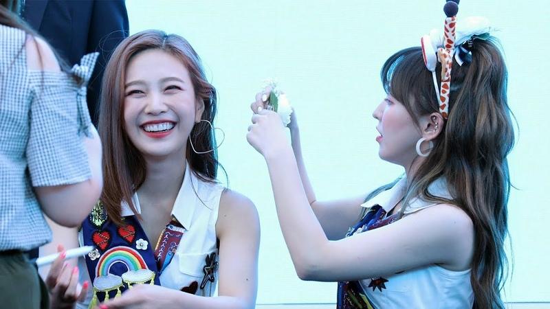 180818 레드벨벳 Red Velvet 조이 머리핀 꽂아주는 웬디 Joy Wendy 스타필드고양팬사인회 4K 51649