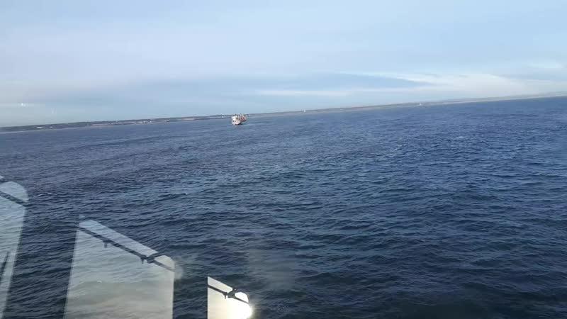 на рейде Ньюкасла. rolling at anchor