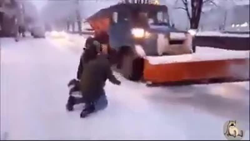 Как встречают в Кишиневе снегоуборочную технику