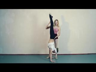 SLs Как научиться стоять и ходить на руках (walking on hands) Танцы Онлайн с Кристин