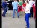 Мужик ржачно танцует