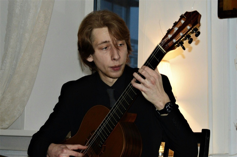 Тони Карапетян  