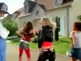 Fatal Bazooka feat Yelle - Parle ma main