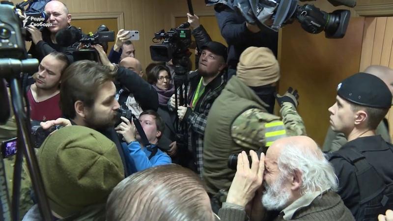 Українських моряків зустріли аплодисментами на суді в Москві
