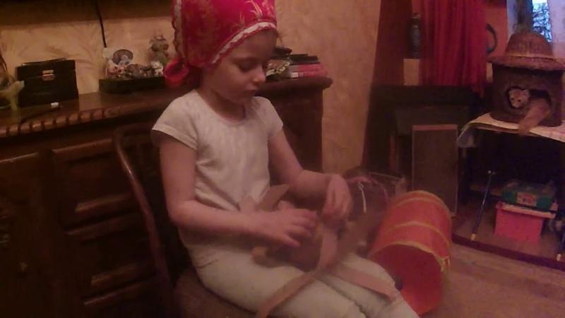 Школа плетения лаптей способна вызвать бурный восторг ребёнка и увлечь его родителей