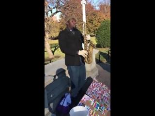 Уличный музыкант из США исполняет гимн Азербайджана. Азербайджан Azerbaijan Azerbaycan БАКУ BAKU BAKI Карабах 2018 HD Америка
