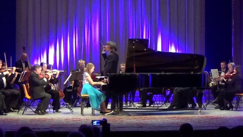 Д. Шостакович Концерт для фортепиано с оркестром фа мажор I часть.