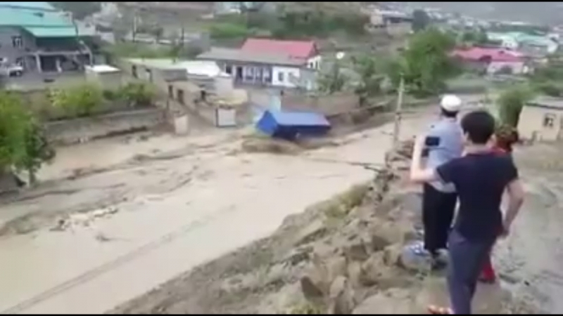 1489 Туркменистан. Сель, город Серхетабад. Дождь, город Ашхабад. 15 мая 2018.