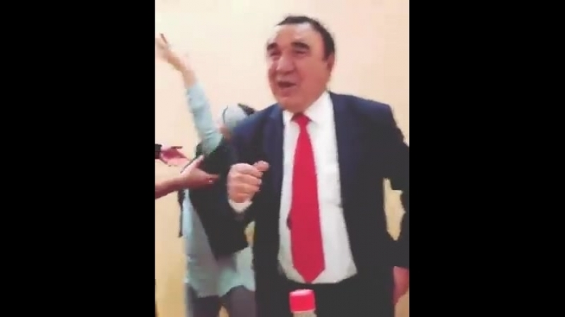Соат Шарипов ва Шахло 🤦♂️😁 t.me/joinchat/AAAAADv7jmaa_ECIP2kiTA