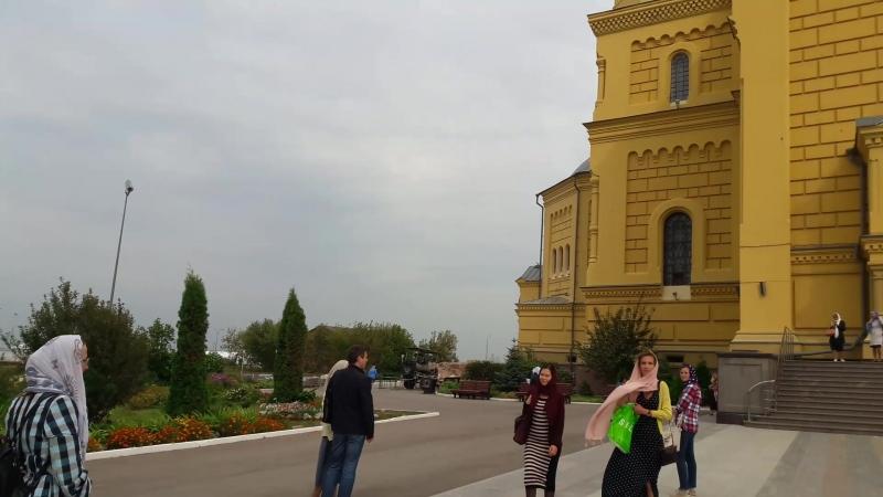 Колокол около кафедрального собора (Н. Новгород)