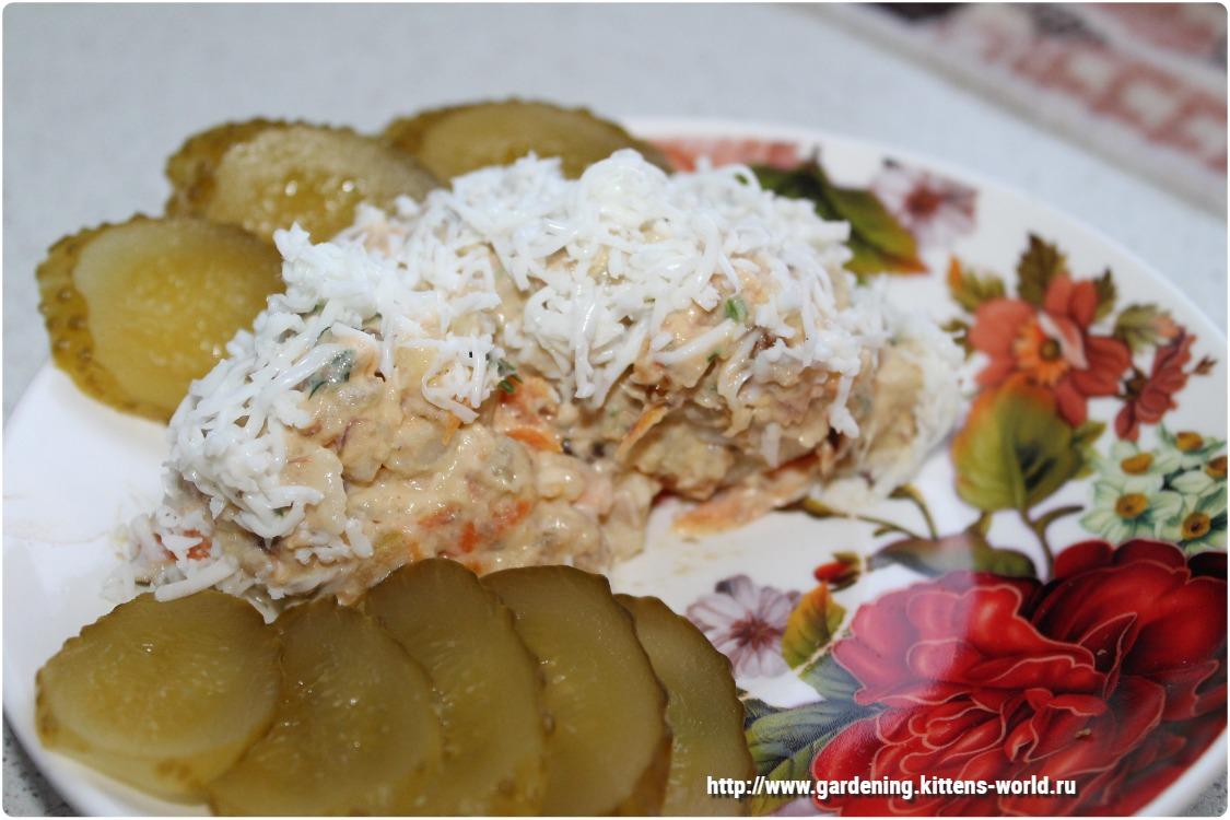 Салат с консервированной рыбой и картошкой